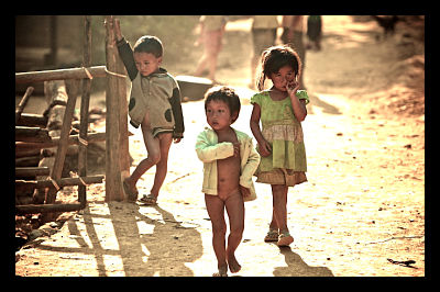 Laotian_Kids_in_Village_Poverty_Inequality_Poor_opt