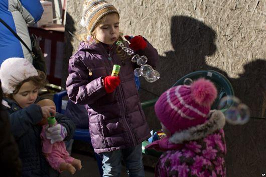 Efforts-to-Aid-Displaced-Ukrainian-Children
