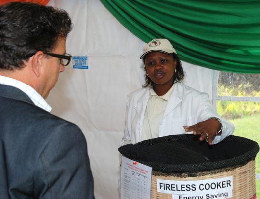 Fireless Cooker