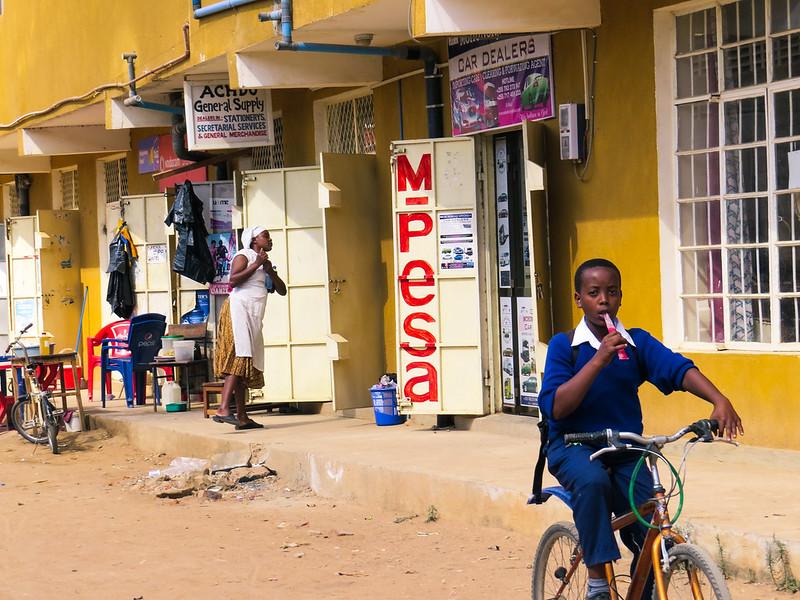 Kenyan mobile money system M-Pesa Reduces Poverty in Kenya