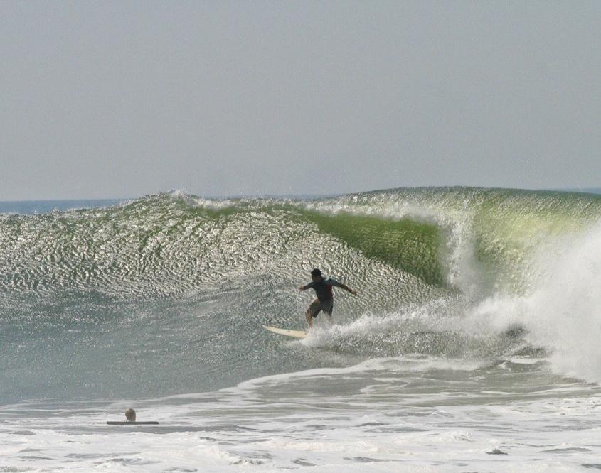 Surf tourism in El Salvador