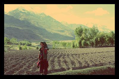 children_third_world_farming_opt_zps4b41c3dc