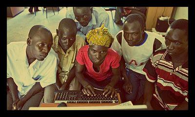 computer-Uganda-Katine-community