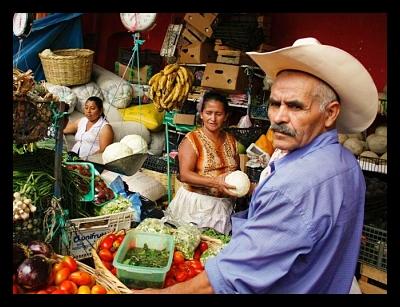 _market honduras_global_poverty_international_aid_opt (1)